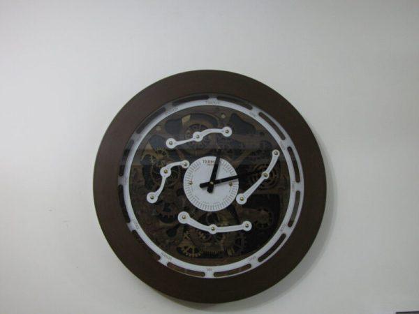 ساعت دیواری چرخ دنده دار