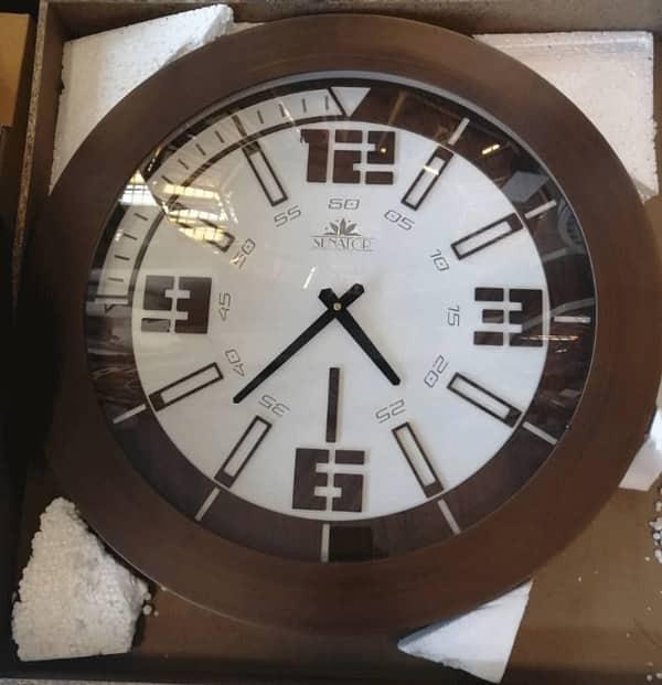 ساعت دیواری چوبی