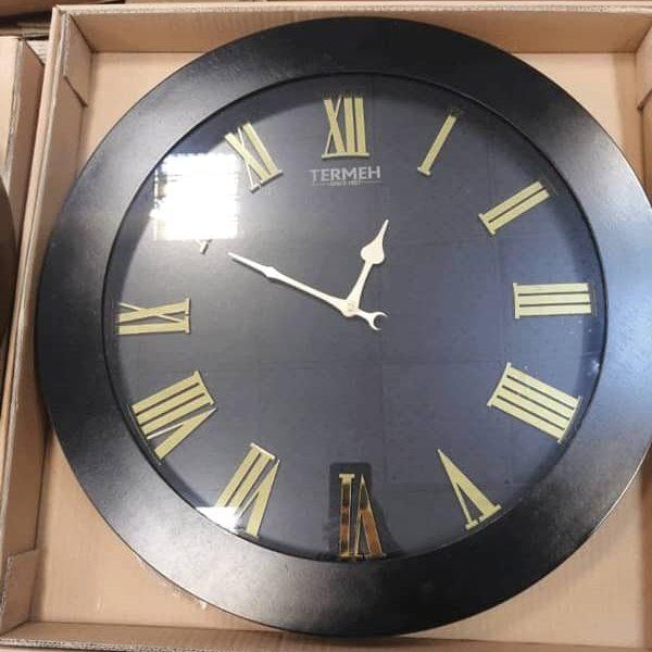 ساعت دیواری چوبی ساده