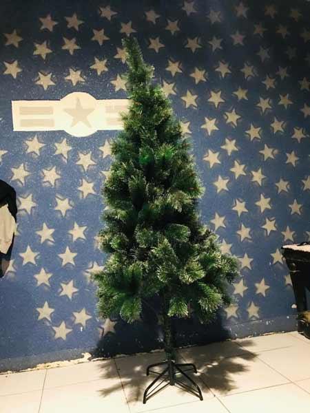 درخت کریسمس نک برفی